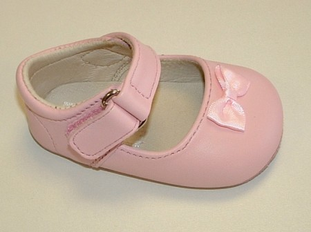 Ickle Shooz Classic Pink Mary Jane Pram Shoes